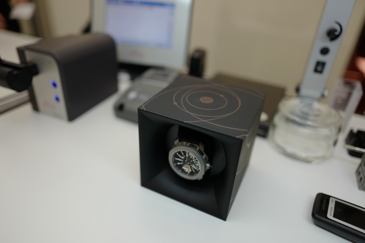 Una buona costanza di marcia si mantiene anche con l'uso di un watch winder.