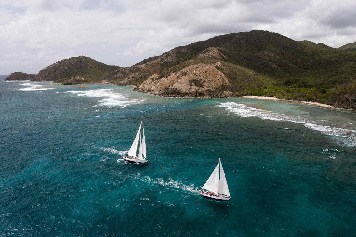 Due barche dell'Antigua Classic Yacht Regatta 2015