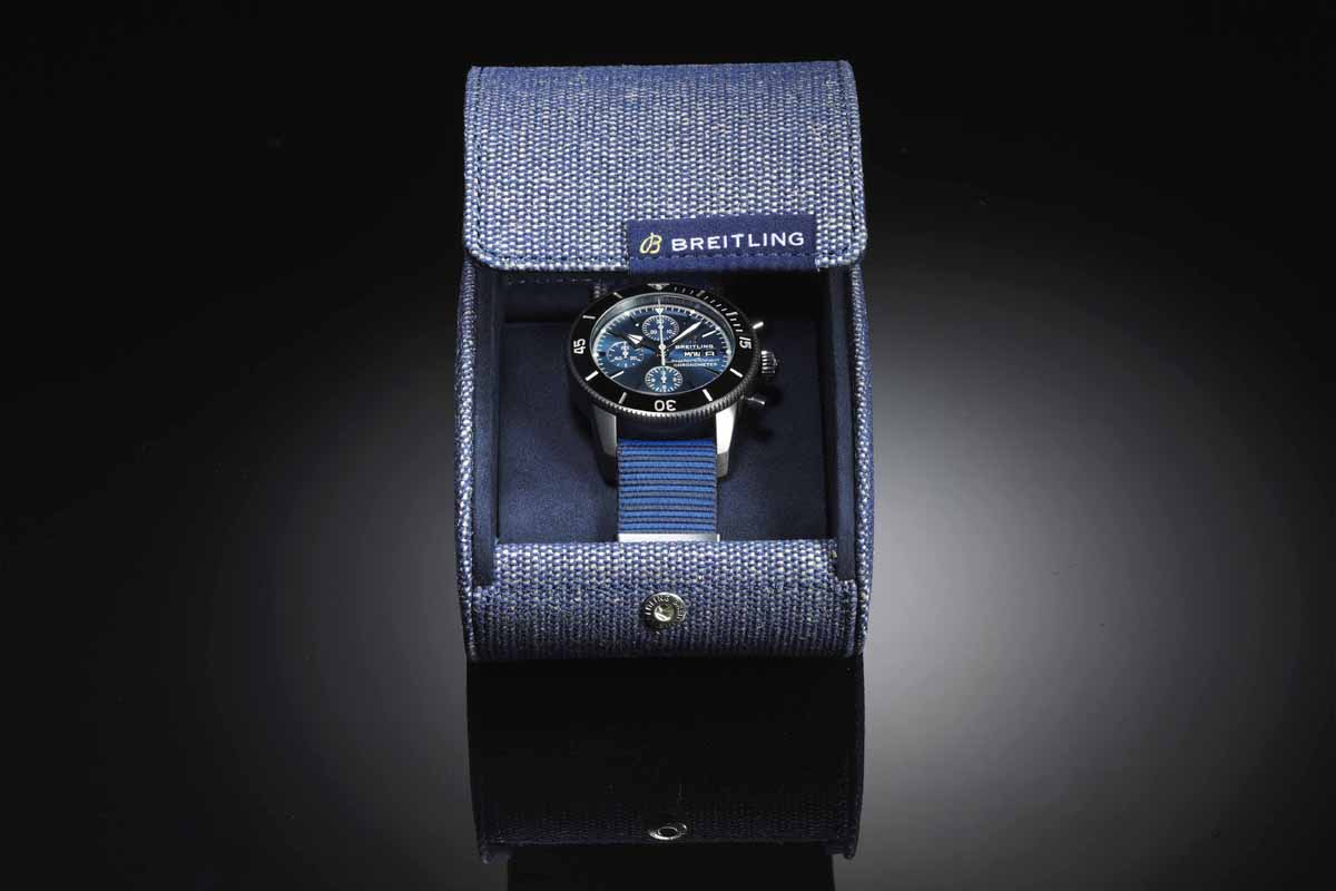 Il packaging del Breitling Superocean Outerknown.