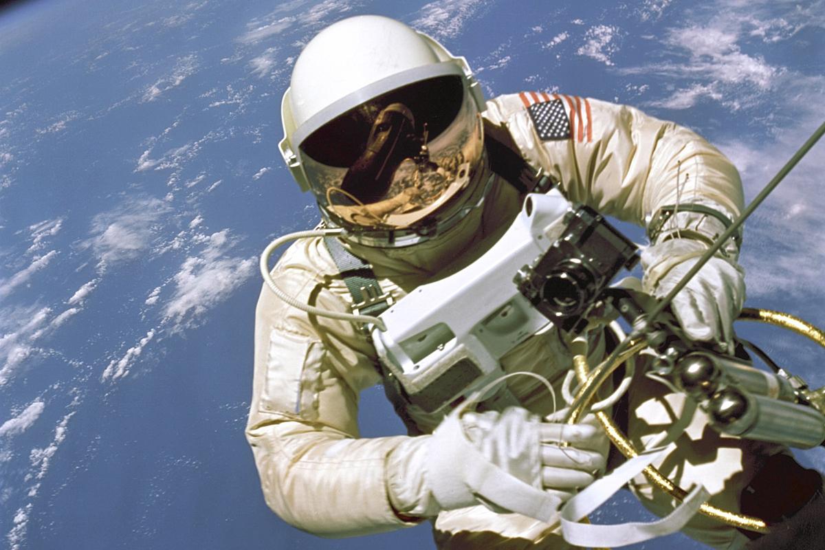 Lo Speedmaster al polso del primo astronauta Nasa in attività extraveicolare.