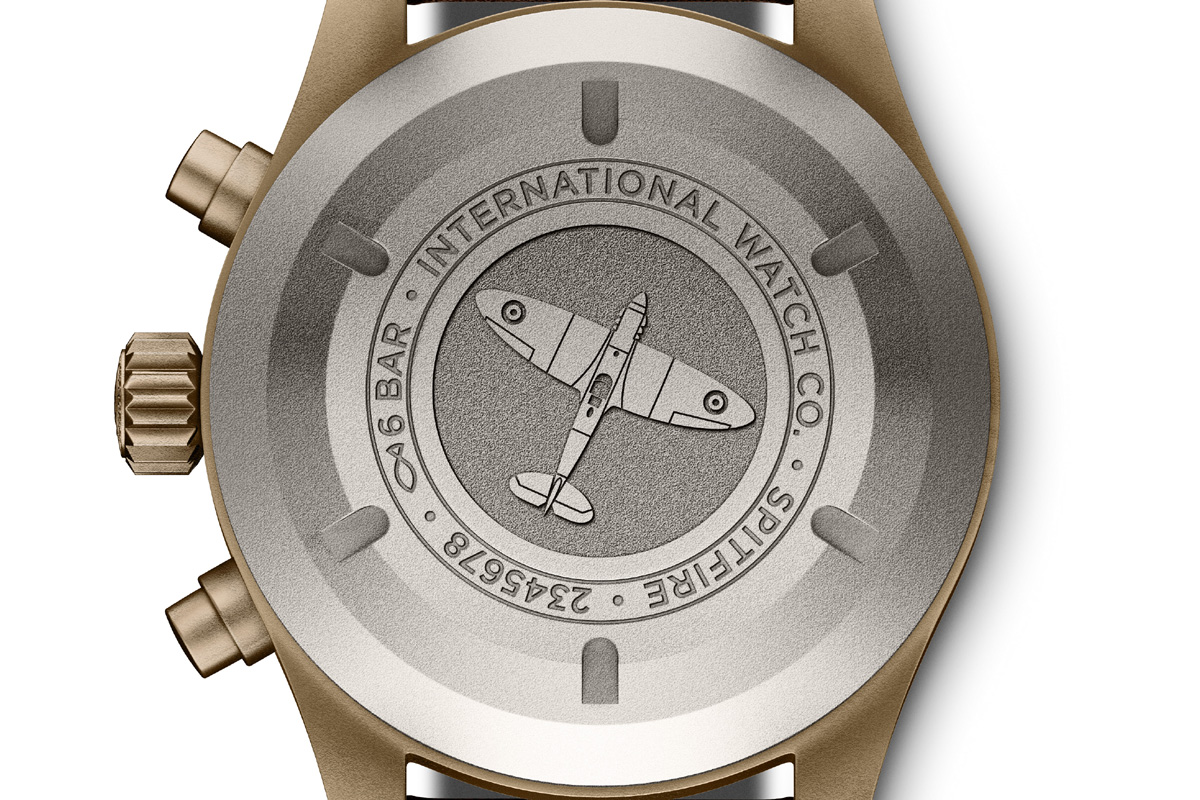 Il fondello del Pilot's Watch Chronograph Spitfire