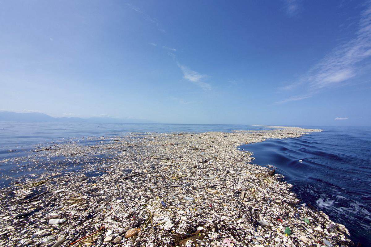Oris change maker nella lotta contro la plastica in mare