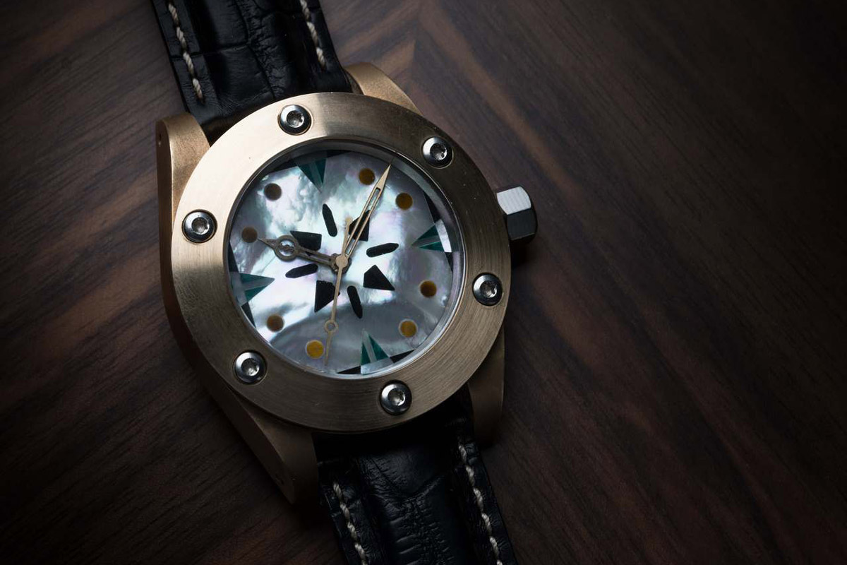 Un orologio di Eric Bigagli in mostra al WOI