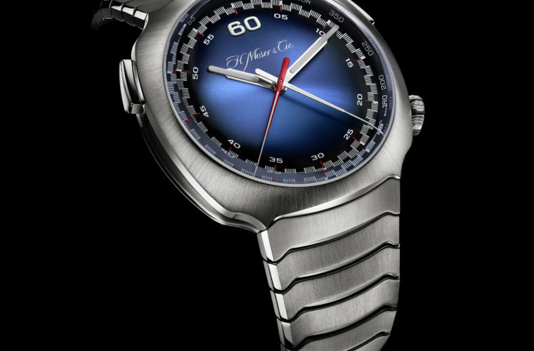 Streamliner-Flyback-Chronograph-Automatic-Funky-Blue_6902-1201_Side_Black-Background