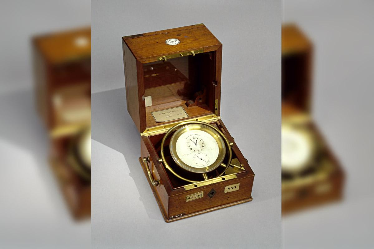 Cronometro da marina esposto al Musée National de la Marine di Parigi