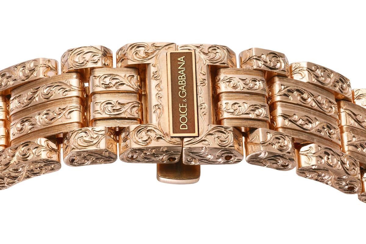 Un bracciale inciso da Maddalena Rocco