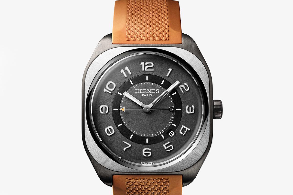 L'Hermès H08 con cassa in titanio satinato