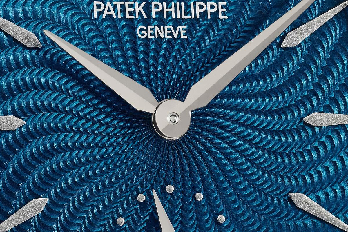 Il blu secondo Patek nella lavorazione a spirale del quadrante