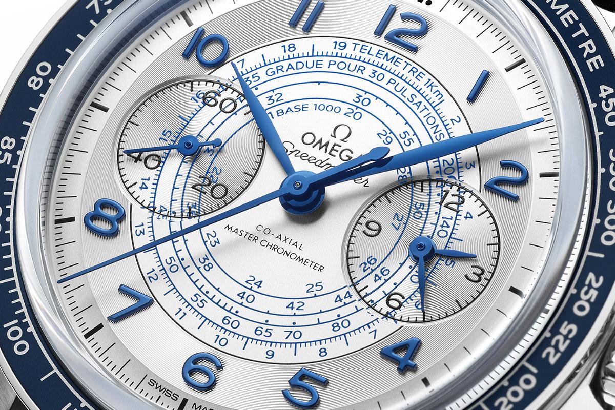 Il quadrante argenté dell'Omega Speedmaster Chronoscope